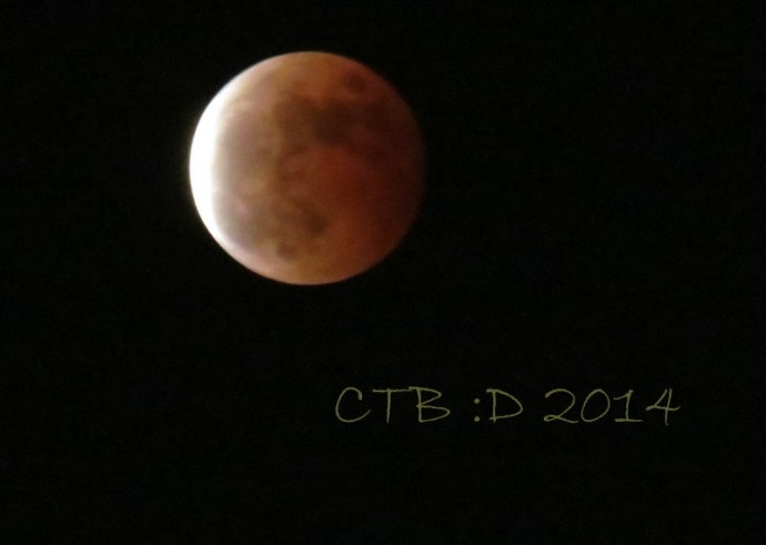 Blood Moon with first hint of the eclipse